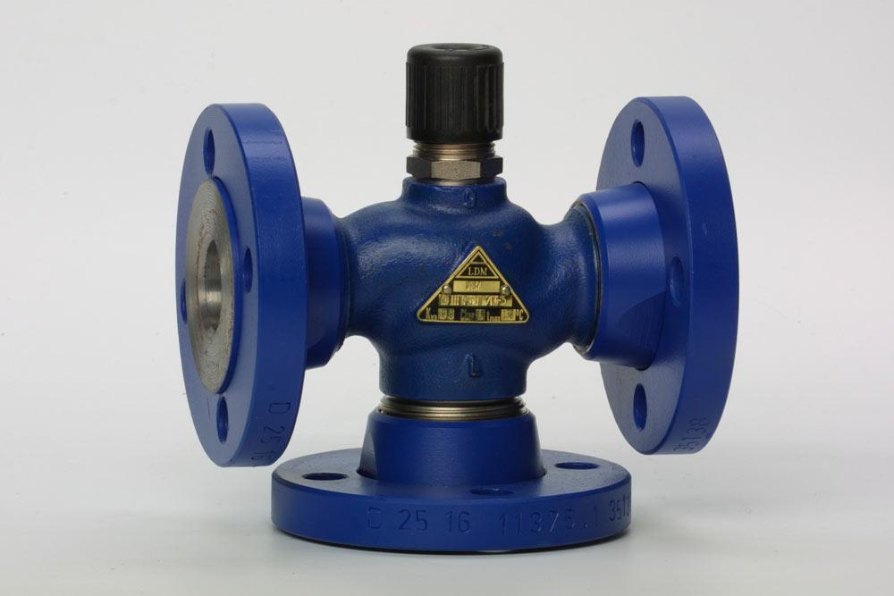 седельный трехходовой клапан RV111